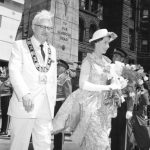 The Queen and Mayor Nathan Philips leave City Hall, Toronto